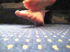 mf feet &; fist sanitiser