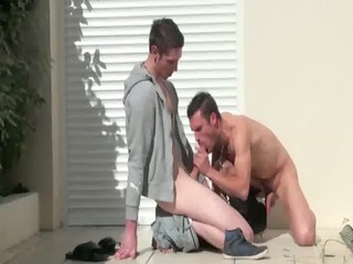 muscley french gay amateurs cumshots