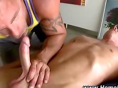slutty straight male gets sucked off