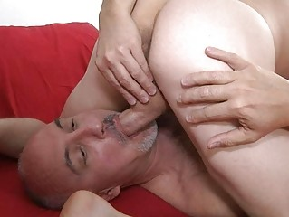muscled gay and his mature daddy tasting balls